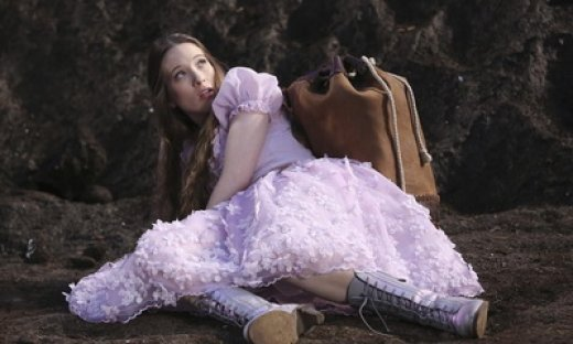 Sophie-Lowe-of-Once-Upon-a-Time-in-Wonderland_feat.jpg