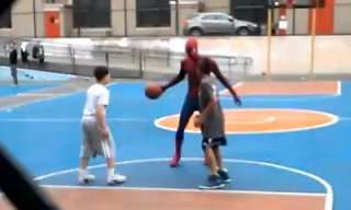 andrew garfield plays basketball as spider-man_feat.jpg