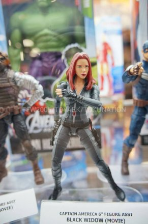 SDCC-2013-Hasbro-Captain-America-Winter-Soldier-6-Inch-3.jpg