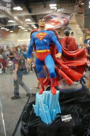 SDCC-2013-Sideshow-DC-Comics-001.jpg