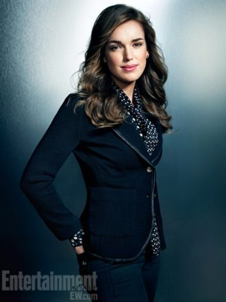 agents-of-shield-elizabeth-henstridge1-450x600.jpg