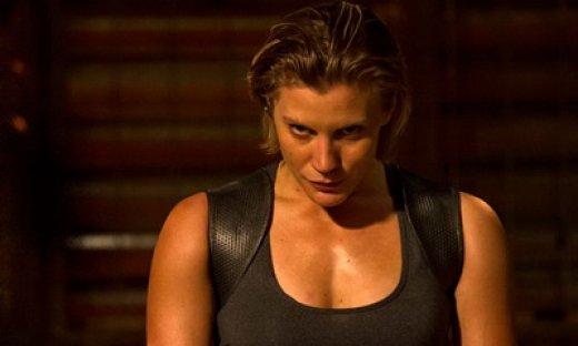 Katee-Sackhoff-in-Riddick-2013-Movie-feat.jpg