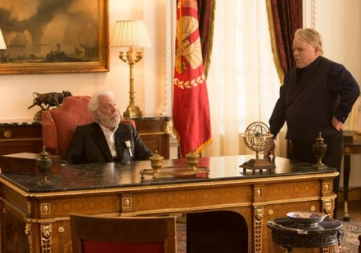 hunger-games-catching-fire-donald-sutherland-phillip-seymour-hoffman-600x421.jpg