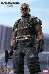 Hot Toys - Captain America - The Winter Soldier - Falcon Collectible Figure_PR9.jpg