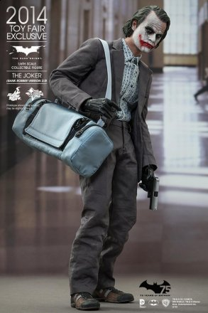 Hot Toys The Dark Knight The Joker Bank Robber Version collectible figure_1.jpg