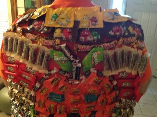 halloween candy cape_2.JPG