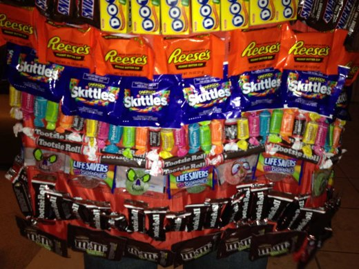 halloween candy cape_4.JPG