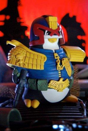 Joe-Amaro-Judge-Dredd-Cosplay-Penguin.jpg