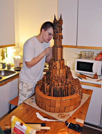 eye-of-sauron-gingerbread-house-2.jpg