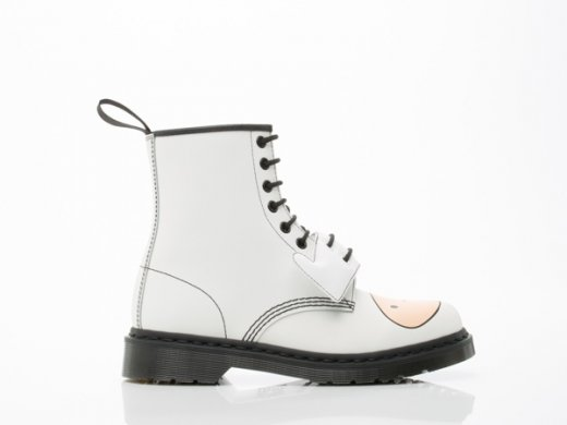Dr.-Martens-X-Adventure-Time-shoes-Finn-Boot-Mens-White-010804.jpg