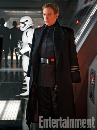 star-wars-the-force-awakens-domhnall-gleeson.jpg