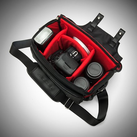 imki_sw_vader_camera_bag_inside.jpg