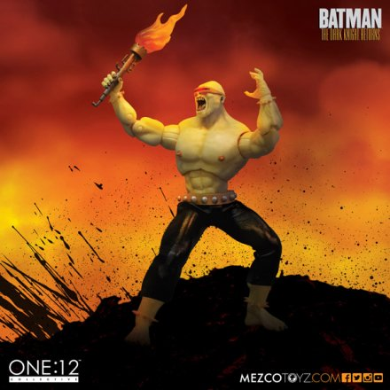mezco_one_12_collective_mutant_leader_5.jpg