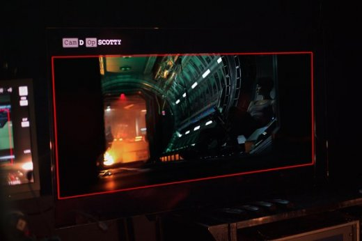 alien-covenant-katherine-waterston-set-photo-1.jpg