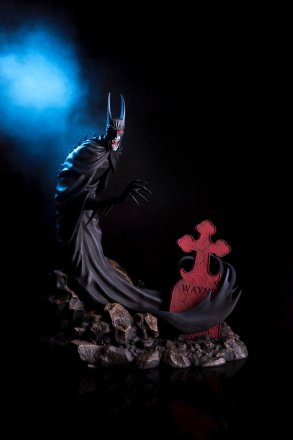 Mondo-Batman-Red-Rain-Statue-smoke.jpg