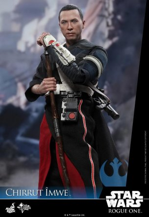 Hot-Toys---Rogue-One-A-Star-Wars-Story---Chirrut-Imwe-Collectible-Figure_PR10.jpg