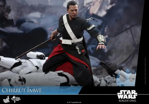 Hot-Toys---Rogue-One-A-Star-Wars-Story---Chirrut-Imwe-Collectible-Figure_PR12.jpg