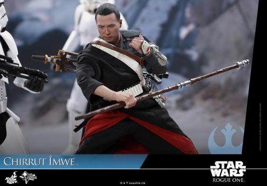 Hot-Toys---Rogue-One-A-Star-Wars-Story---Chirrut-Imwe-Collectible-Figure_PR14.jpg