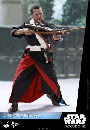 Hot-Toys---Rogue-One-A-Star-Wars-Story---Chirrut-Imwe-Collectible-Figure_PR5.jpg
