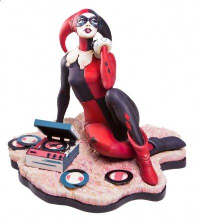 Harley-Quinn-Statue-by-Mondo-001.jpg