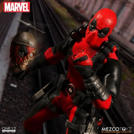 Mezco-Toyz-One-12-Collective-Deadpool-05.jpg