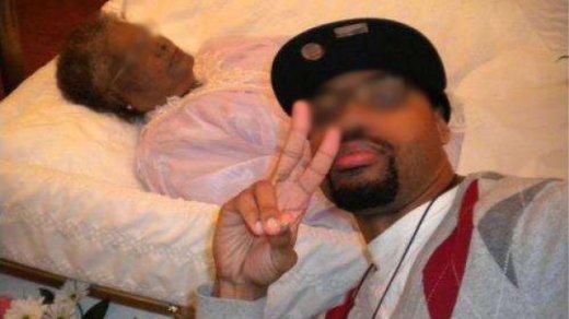 funeral-selfie.jpg