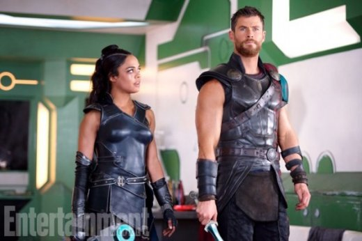 thor-ragnarok-tessa-thompson-chris-hemsworth-image-600x400.jpg