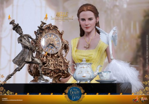 Hot-Toys---Beauty-&-the-Beast---Belle-collectible-figure_PR9.jpg