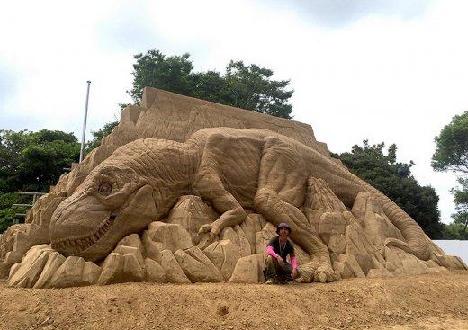 toshihiko-hosaka-sand-sculpture-4.jpg