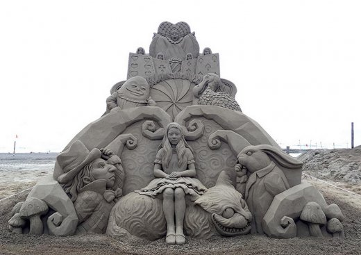 toshihiko-hosaka-sand-sculpture-6.jpg