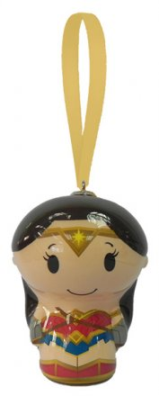wonderwoman-sdcc-2017-hallmark-exclusive.jpg