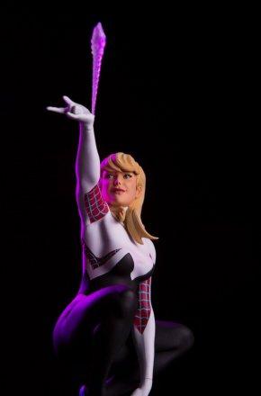 Mondo-Exclusive-Spider-Gwen-Statue-.jpg
