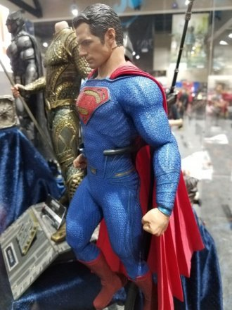 superman-justice-league-hot-toys-sideshow-1-450x600.jpg