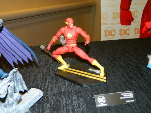 sdcc_2017_dc_action_figures_14.jpg