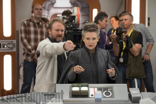 star-wars-8-set-photo-rian-johnson-carrie-fisher.jpg