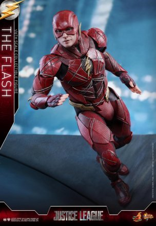 Hot Toys - Justice League - The Flash Collectible Figure_PR1.jpg