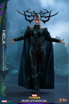 Hot Toys - Thor 3 - Hela collectible figure_PR1.jpg