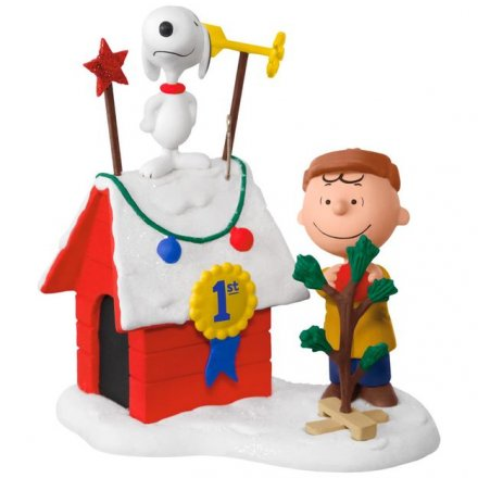 PEANUTS-Charlie-Brown-and-Snoopy-DeckedOut-Doghouse-Sound-Ornament-With-Light-root-2995QXI3282_QXI3282_1470_1.jpg_Source_Image.jpg