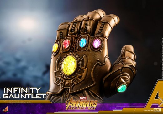 Hot Toys - AIW - Infinity Gauntlet Collectible_PR6.jpg
