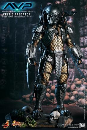 Hot Toys - Alien vs. Predator - Celtic Predator Collectible Figure_PR1.jpg